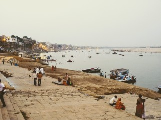 Aire de espiritualidad en el Rio Ganges.